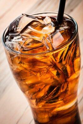 Affisch Alkoholhaltiga cocktail med cola