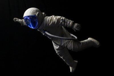 Affisch astronaut i rymden uppdrag i mörker och utrymme