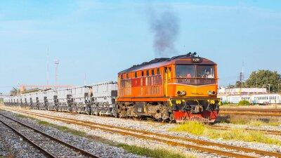 Affisch Ballast tåg avgår varvet. Thailand - augusti 2013 var Track ballust plikt avgår Ban Pachi korsning. (Takekn från allmän plats.)