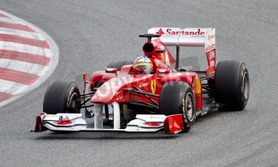 Affisch Barcelona - 18 februari 2011: Fernando Alonso i Ferrari-teamet kör sin F1-bil under Formula One Team testdagar på Catalunya krets.