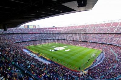 Affisch BARCELONA, Spanien - 13 maj 2011: Oidentifierade FC Barcelona supportrar fira den spanska ligan Championship seger i fotbollsstadion Camp Nou.
