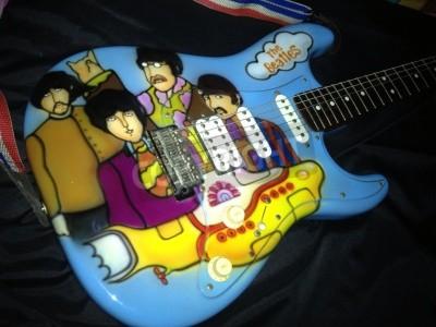 Affisch Beatles Yellow Submarine tema airbrushed på en Stratocaster