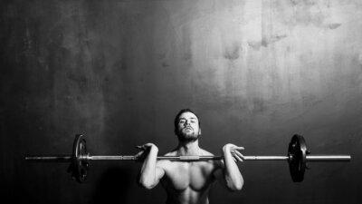Affisch Bodybuilding, Idrotts- Strong Man Tyngdlyftning, svartvitt i studio