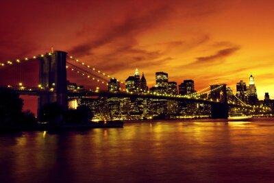 Affisch Brooklyn Bridge och Manhattan i solnedgången, New York