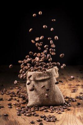 Affisch cascata di chicchi di caffè i Sacco di iuta