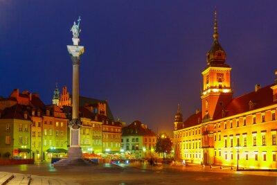 Affisch Castle Square på natten i Warszawa, Polen.