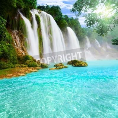 Affisch Detian eller Ban Gioc vattenfall längs Vietnamesiskt och kinesiska ombord.