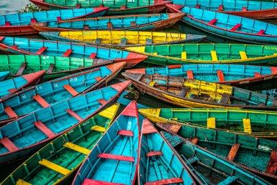 Affisch färggranna båtar
