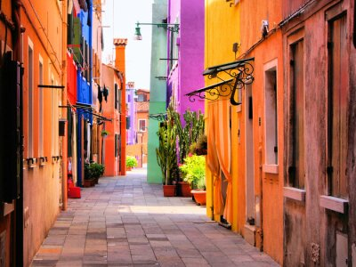 Affisch Färgstarka gata i Burano, nära Venedig, Italien