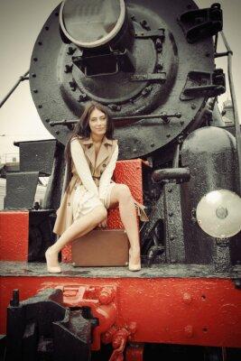 Affisch flicka sitter på en vintage tåg