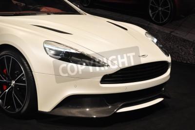Affisch Framifrån av Aston Martin