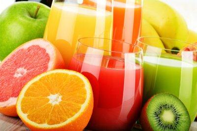 Affisch Glas blandade fruktjuice. detox diet