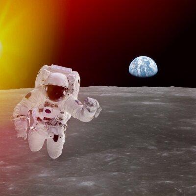 Affisch Hög kvalitet isolerade sammansatta astronaut i rymden; element av