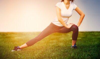 Affisch Idrottsman flicka - idrottsman träna på utsidan, kvinna fitness