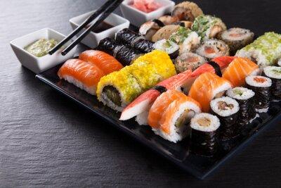 Affisch Japansk fisk och skaldjur sushi uppsättning