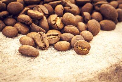Affisch Kaffebönor på trä bakgrund