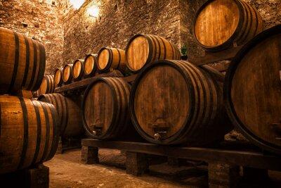 Affisch källare med tunnor för lagring av vin, Italien