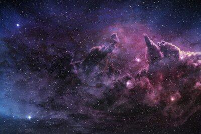 Affisch lila nebulosa och kosmiskt stoft i stjärnfält