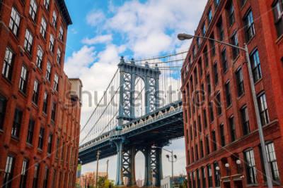 Affisch Manhattan Bridge seen from Dumbo, Brooklyn, New York City