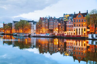 Affisch Natt utsikt över staden Amsterdam, Nederländerna