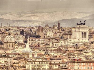 Affisch Panoramautsikt över Rom på bakgrunden av bergen. Retro tonad bild