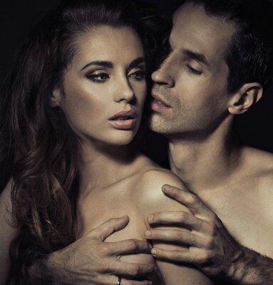 Affisch Porträtt av en sensuell ung par