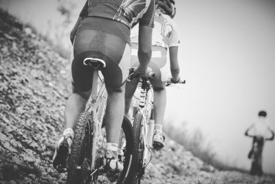 Affisch ragazzo ciclista gara di mountainbike