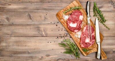 Affisch Rått kött nötstek med örter och kryddor
