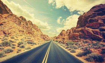 Affisch Retro stiliserade öken motorväg, resor äventyr koncept.