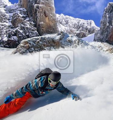Affisch Snowboarder fripassagerare på berg