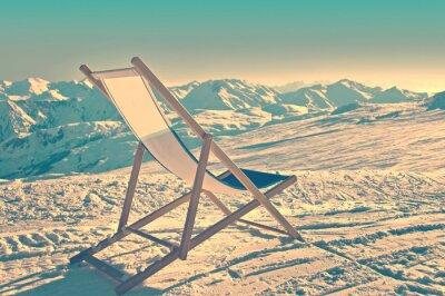 Affisch Tom däckstol på den sida av en skidbacke, tappning process