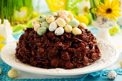 Affisch Traditionell påsk kaka av choklad med chokladägg.