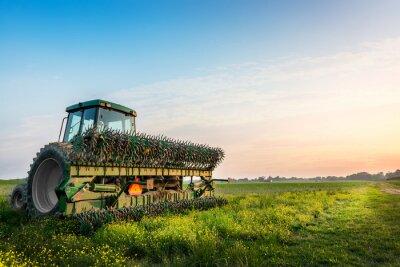 Affisch Traktor i ett fält på en lantlig Maryland gård