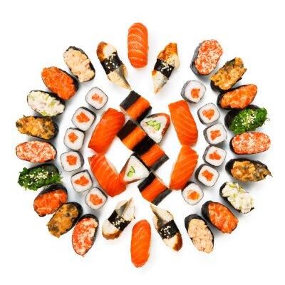 Affisch Uppsättning av sushi, maki, gunkan och rullar isolerade på vit