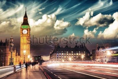 Affisch Vackra färger av Big Ben från Westminster Bridge vid solnedgången - London.