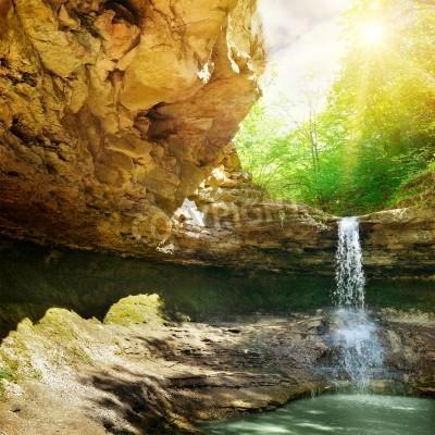 Affisch vattenfall i berget