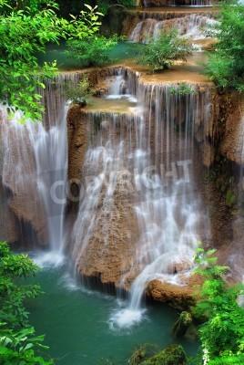 Affisch vattenfall i thai nationalpark
