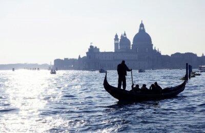 Affisch Venedig, Canal Grande med gondol och kyrkan Santa Maria della Salute