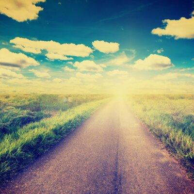 Affisch Vintagefoto av fält och landsväg med solljus