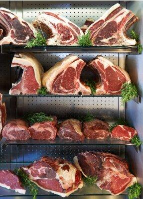 Affisch Visning av hängmörad kött i Butchers Shop