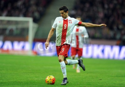 Affisch Warszawa, Polen - November 13, 2015 EURO 2016 EM Träningsmatch Polen - Robert Lewandowski Icelandop