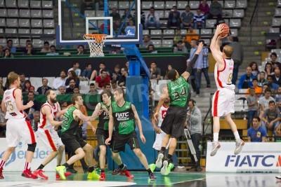 Affisch Michael Roll Zaragoza i aktion på spanska basketligan match mellan Joventut och CAI Zaragoza, slutresultatet 82-57, den 13 april, 2014 i Badalona, Spanien