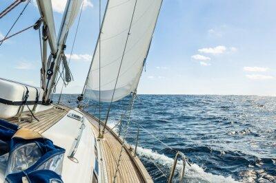 Affisch Yacht segla i Atlanten på solig dag kryssning