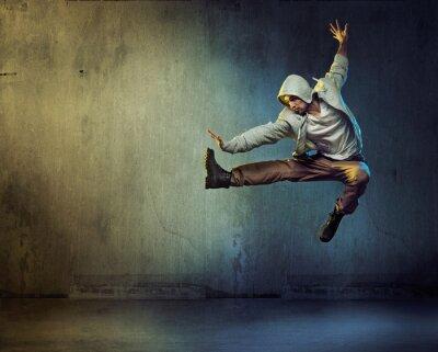 Canvastavlor Atletisk dansare i en hoppande pose