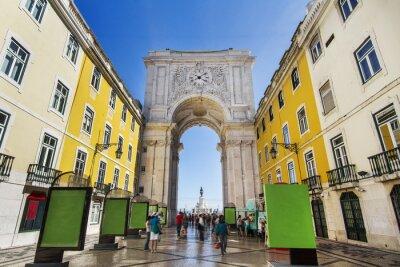 Canvastavlor berömda båge av Augusta gatan ligger i Lissabon