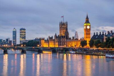 Canvastavlor Big Ben och Westminster Bridge i skymningen, London, Storbritannien