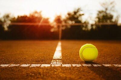Canvastavlor Boll på en tennisbana