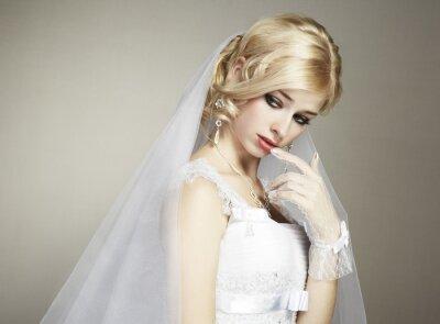 Canvastavlor Bröllop porträtt av vacker ung brud