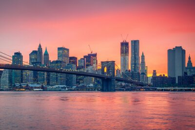 Canvastavlor Brooklyn bridge och Manhattan i skymningen