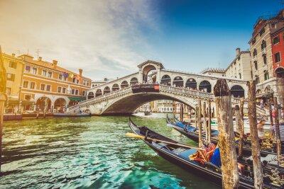 Canvastavlor Canal Grande med Rialtobron i solnedgång, Venedig, Italien